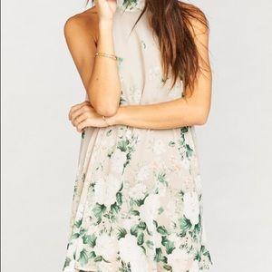V-neck back dress